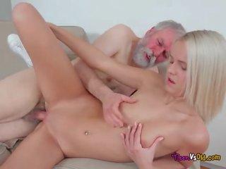 vanha Läkkäämpi porno kuva suku puoli musta suudelma